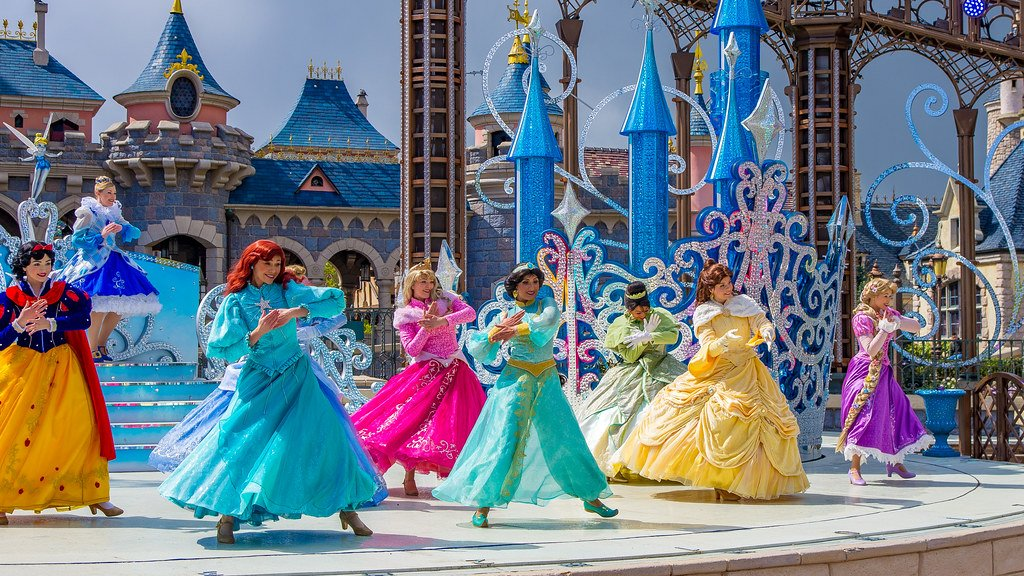 Conheça os incríveis shows e atrações na  Main Street da Disneyland Paris 2