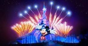 Conheça os incríveis shows e atrações na  Main Street da Disneyland Paris 26