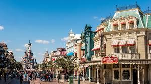 Conheça os incríveis shows e atrações na  Main Street da Disneyland Paris 6