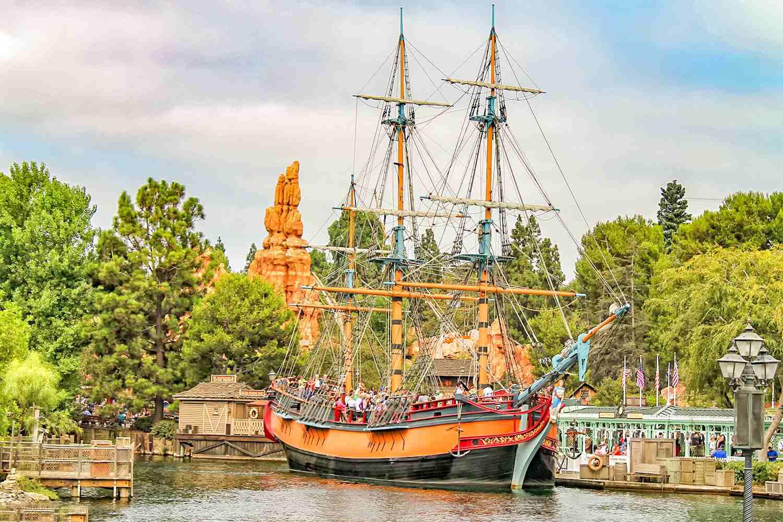 Descubra o velho oeste na Frontierland da Disneyland Califórnia 2