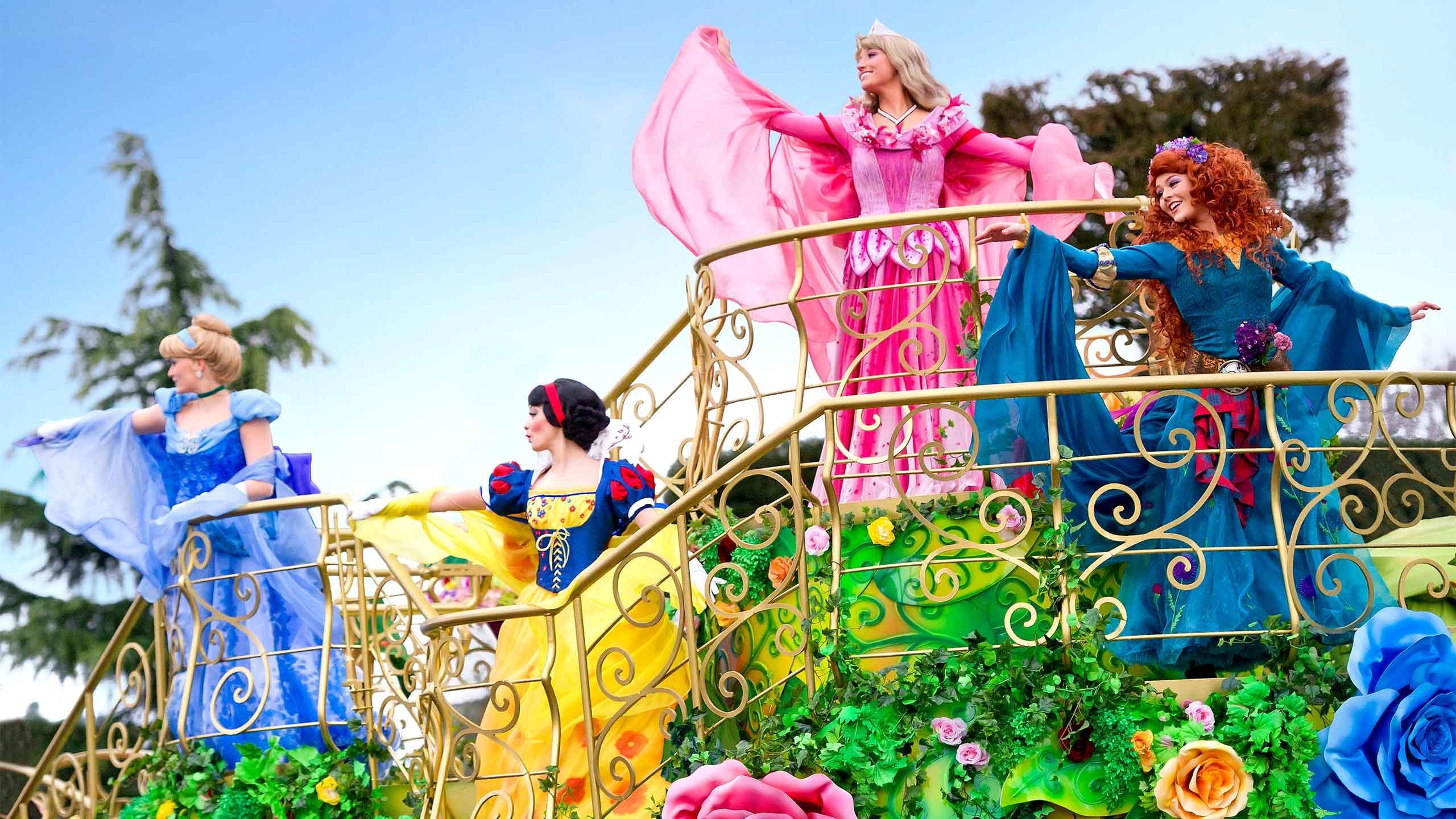 Shows e paradas da festa de Natal na Disneyland Paris 2